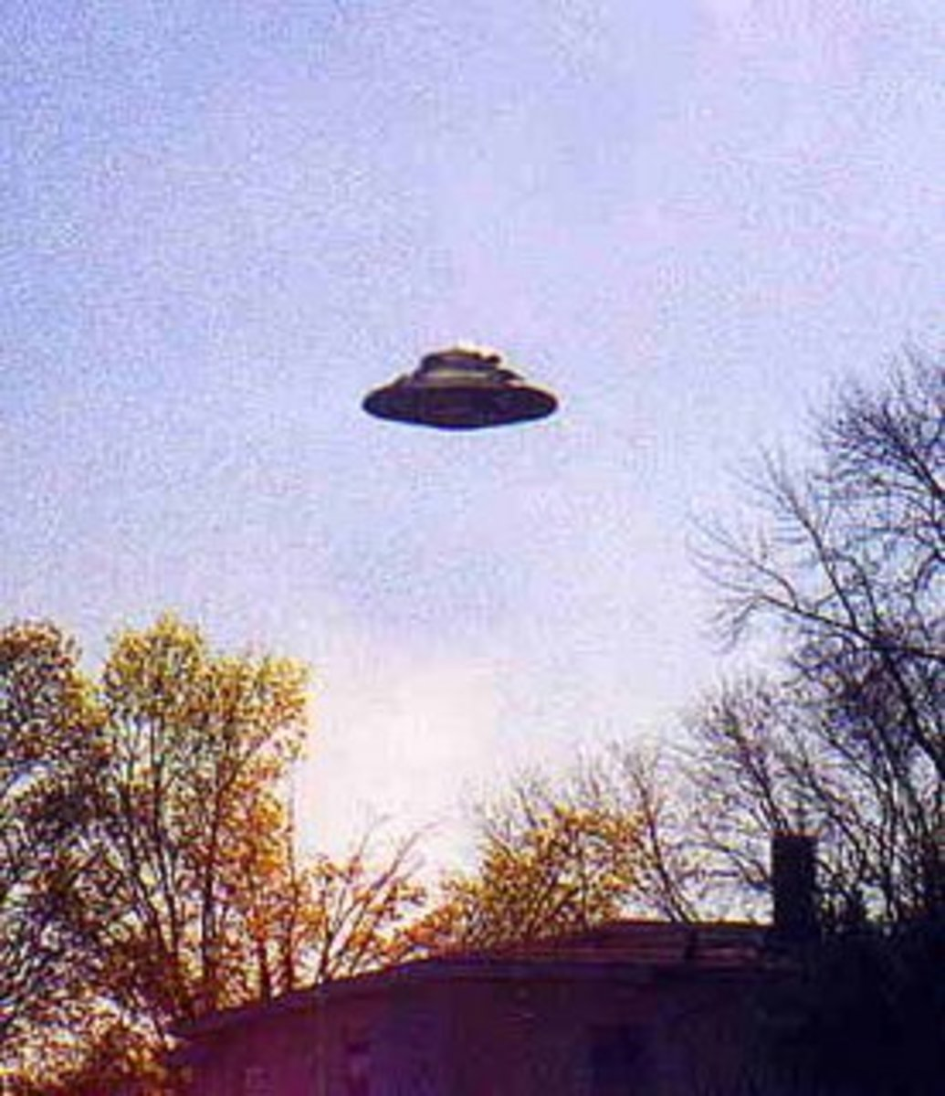 The Stars See UFOs Too: Celebrity Close Encounters