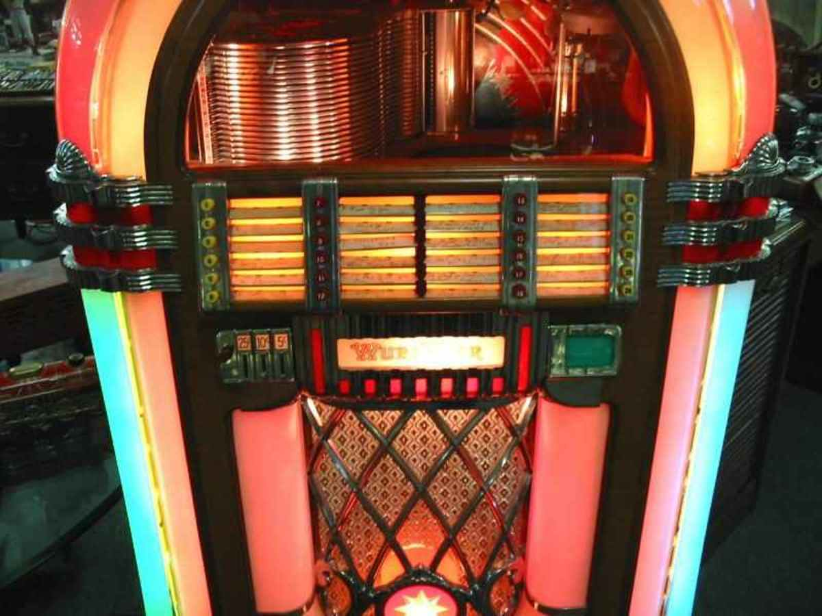 the-1946-bubbler-classic-wurlitzer-jukebox
