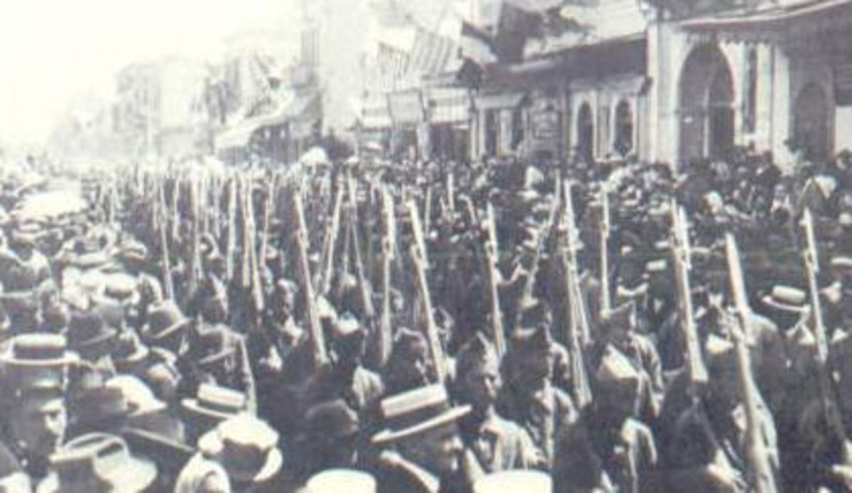 Greek Army enters Izmir
