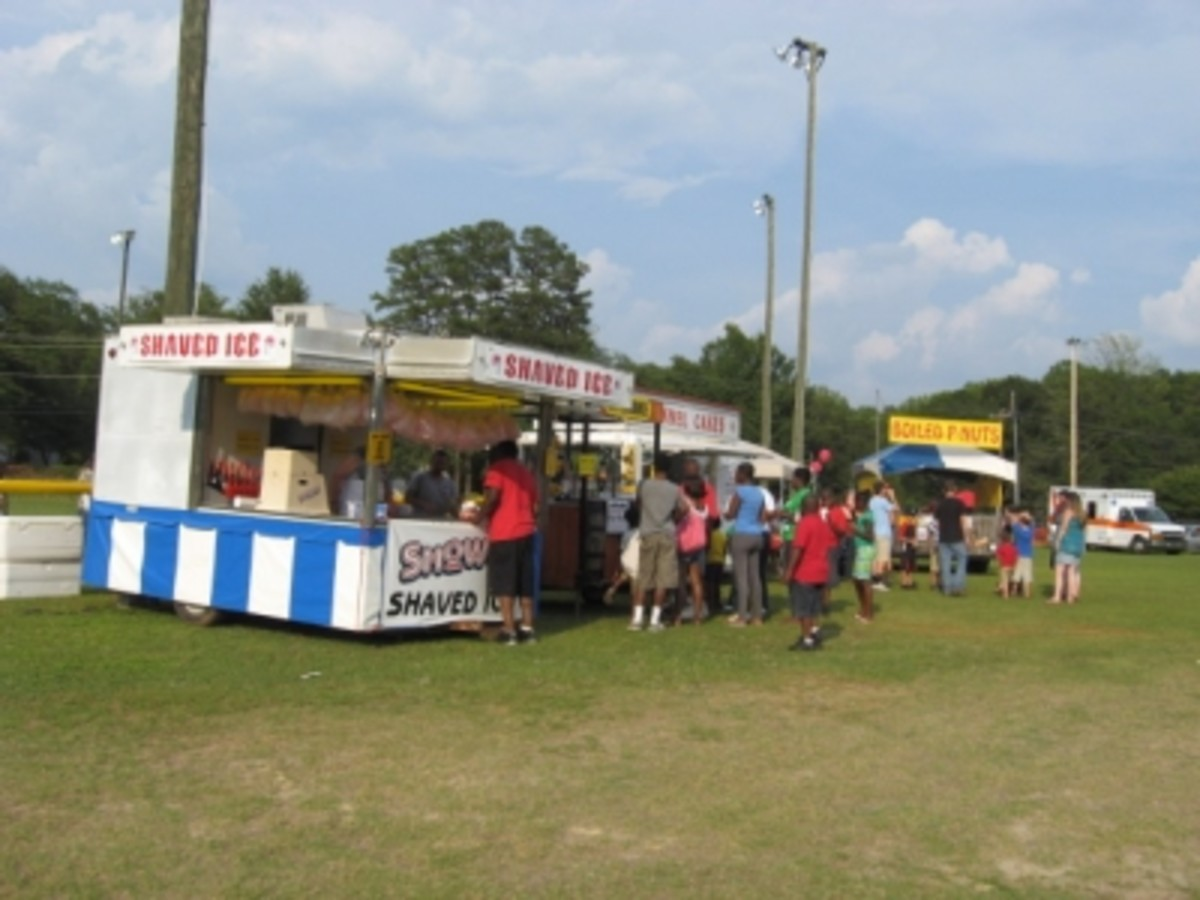 Funnel Cakes, Snow Cones, Fried Yams, Lemonade and more!
