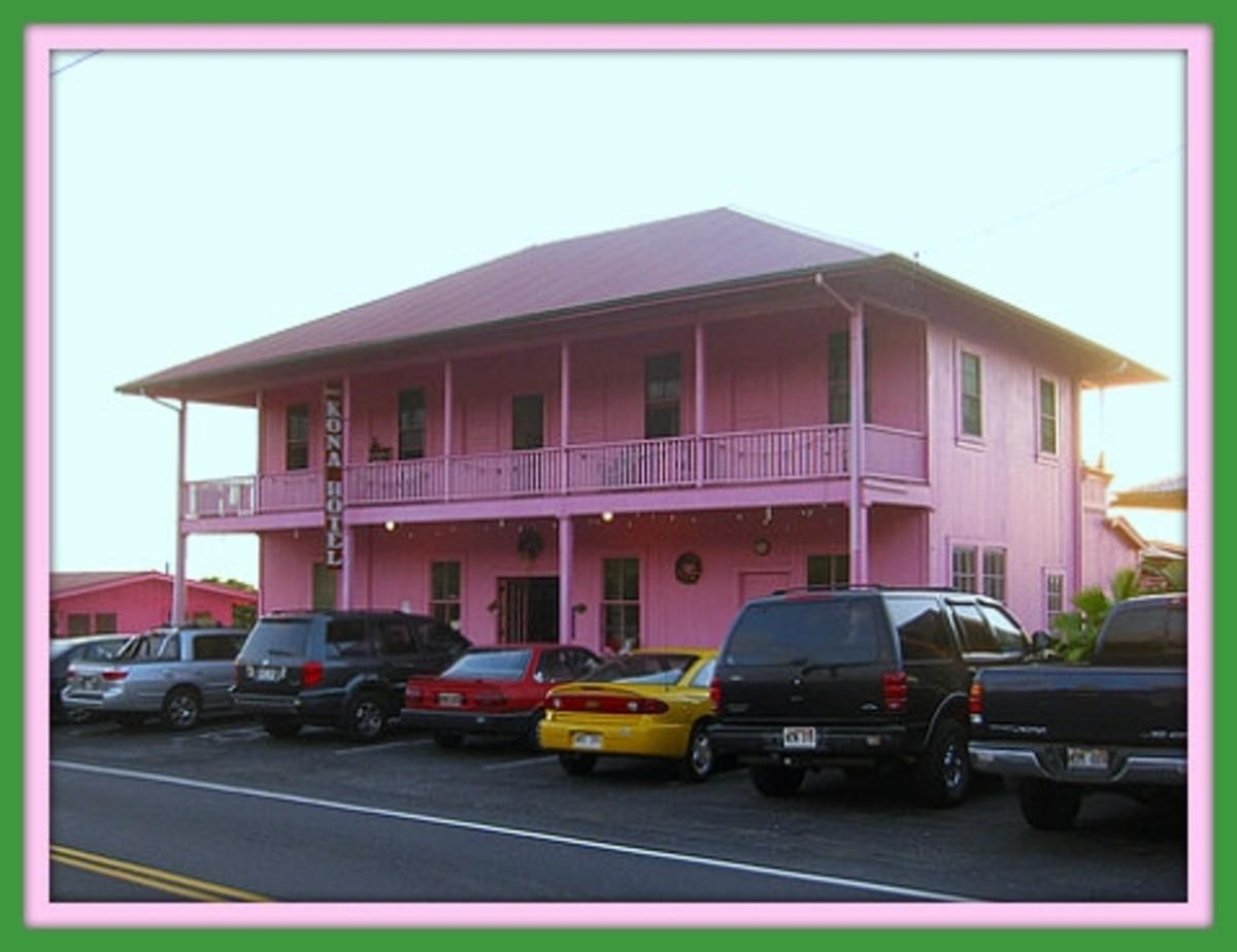 pink Kona Hotel in Holualoa