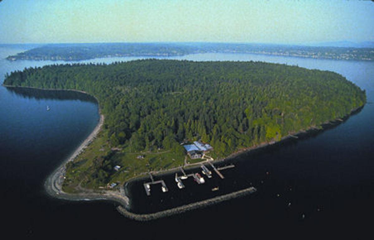 Blake Island Tillicum village
