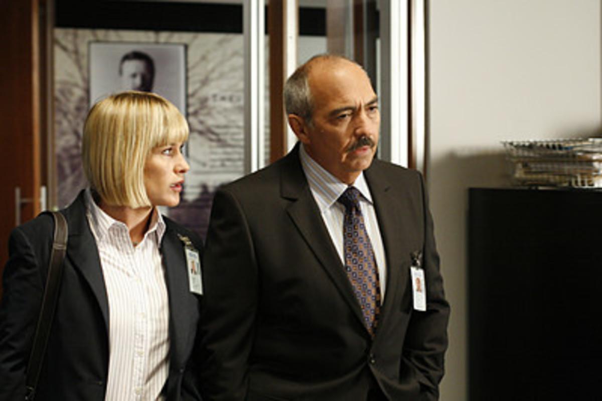 Alison DuBois with the DA Manuel Devalos in New Medium Season 7