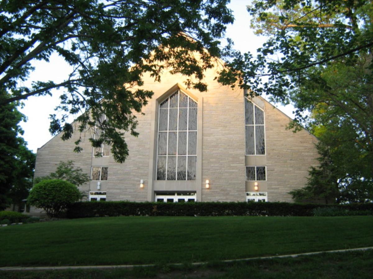 Church near the Hinsdale Hospital