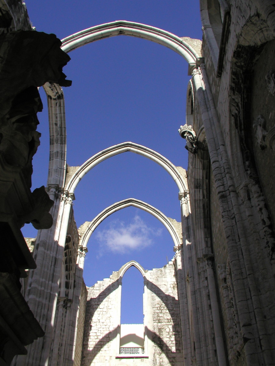 The ruins of the Carmo Convent -   destroyed in the 1755 earthquake and as they are today.