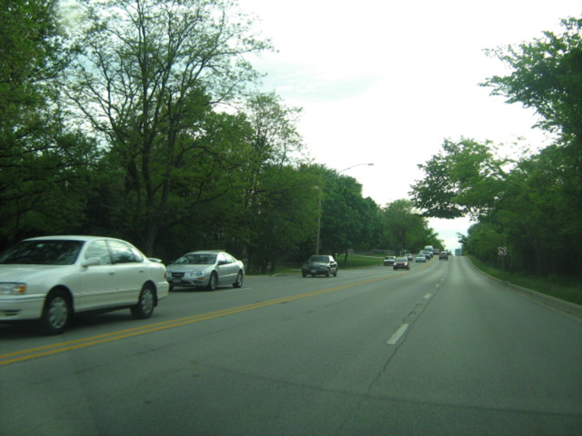 A main thoroughfare through Hinsdale's south side is 55th Street where the Hinsdale High School and football field are located