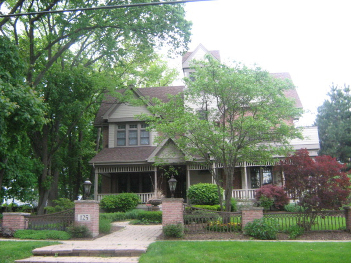 A huge home in Hinsdale
