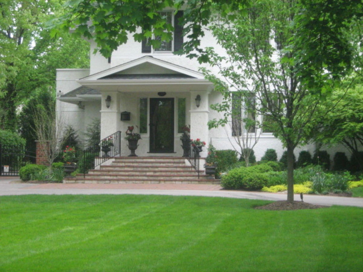 One of many homes with a very large yard in Hinsdale