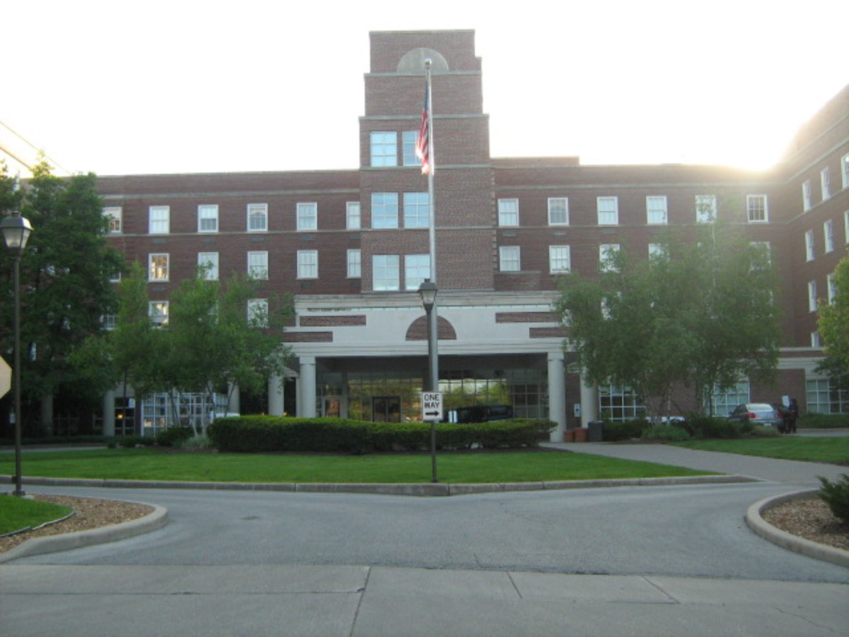 Hinsdale Hospital