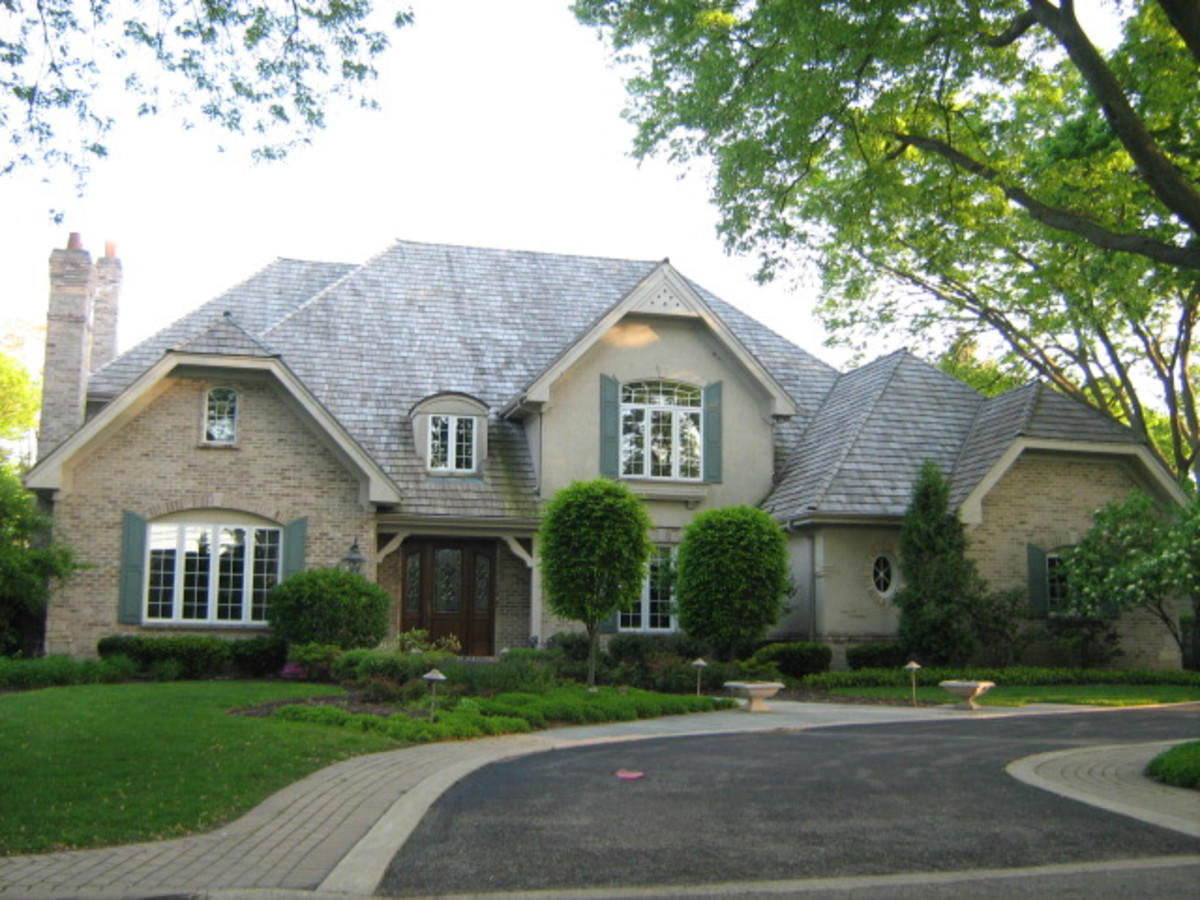 Beautiful home and yard with an S-shaped curved drive on the northern end of Hinsdale