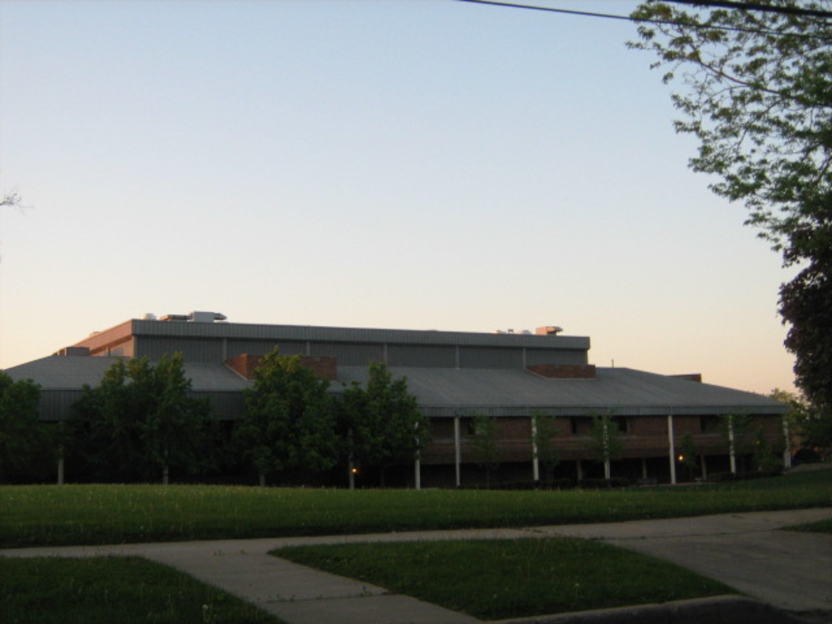 South view of the large Hinsdale Junior High School near Downtown