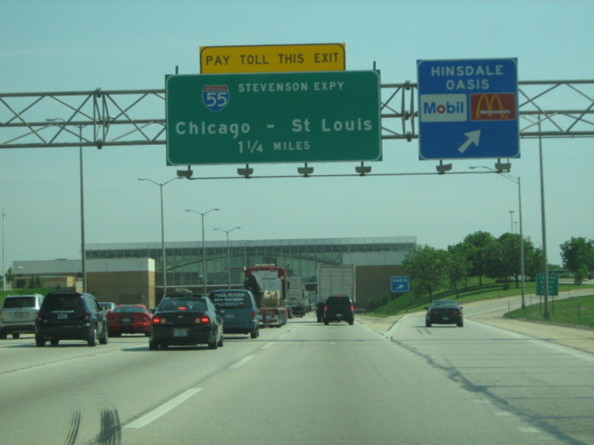 Tollway 294 headed south along Hinsdale's eastern border at the western edge of Cook County