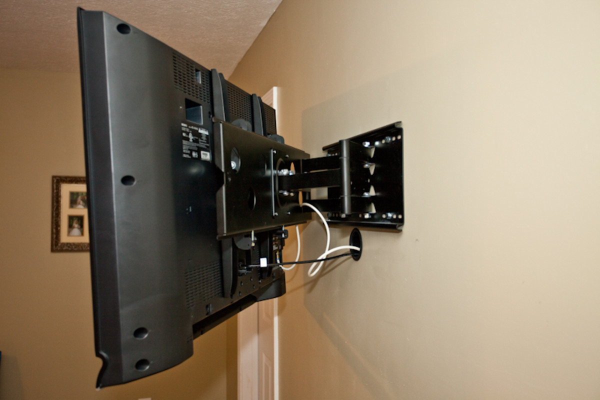 Completed Installation of Articulating TV Wall Mount on 40-inch Sony LCD TV