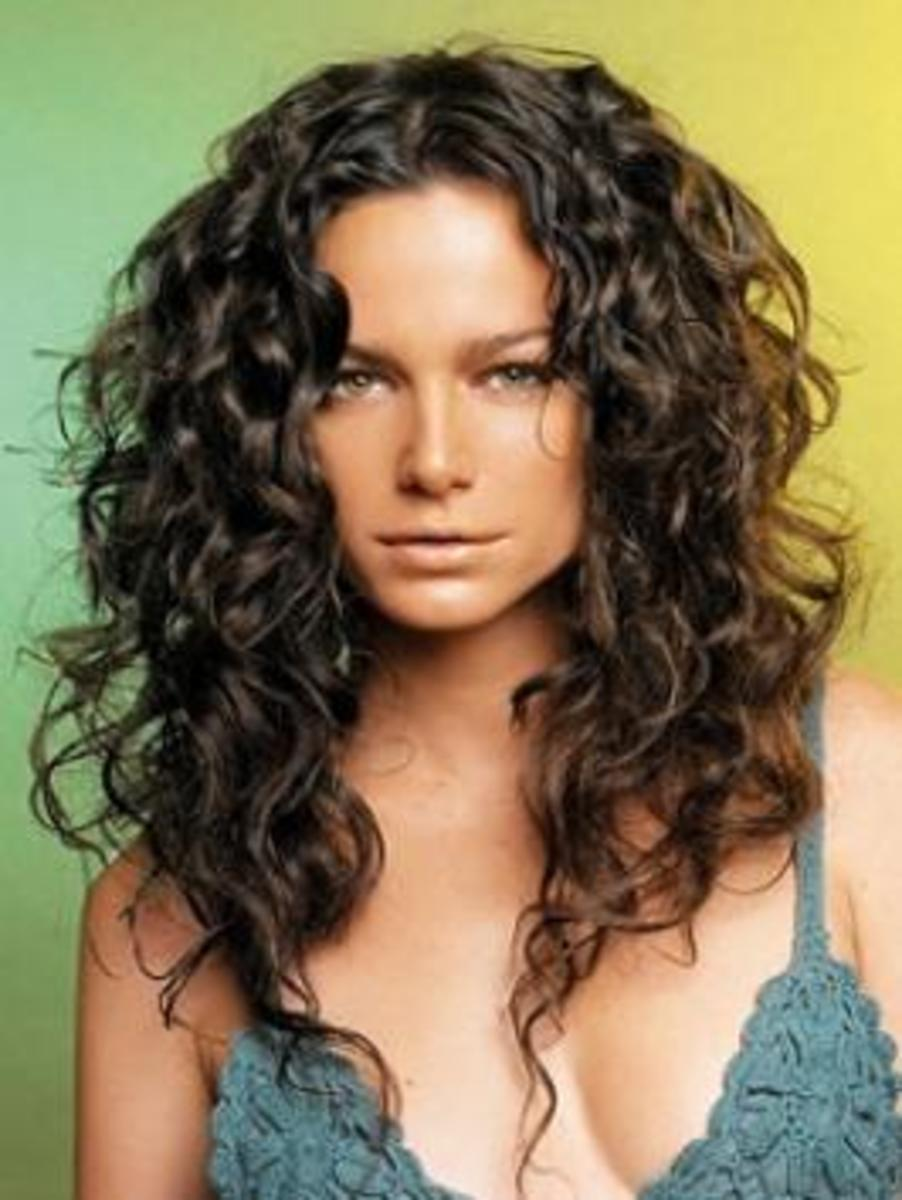 Curly Hair Cuts on Hair Styles For Curly Hair