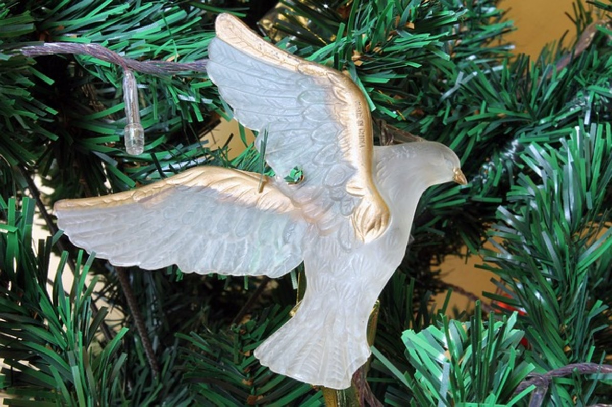 Dove Christmas Ornament - the bird of peace seems an appropriate addition to a Christmas tree