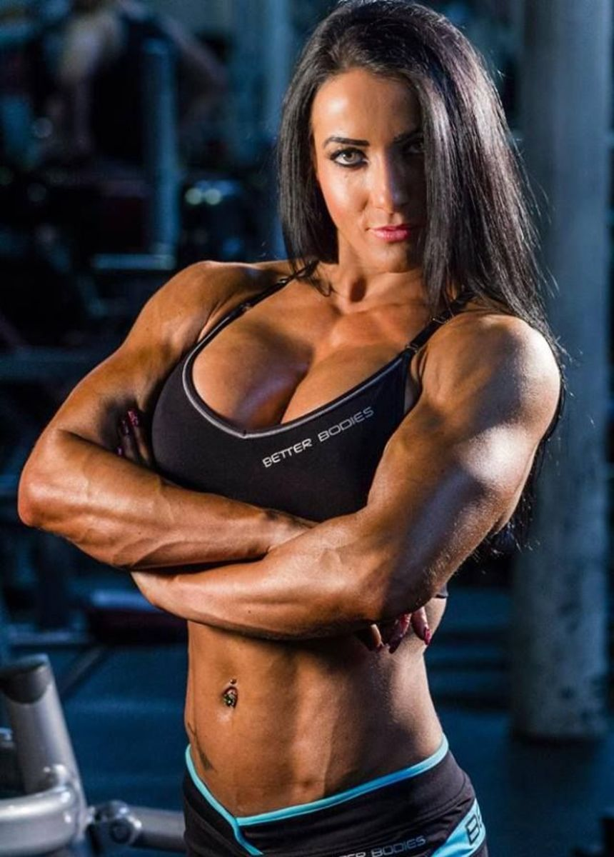 Ria Ward - Female Fitness
