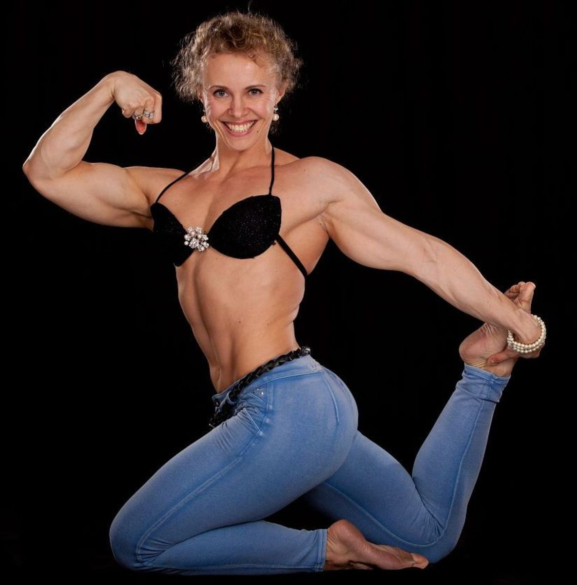 Russian female bodybuilder Elena Shportun