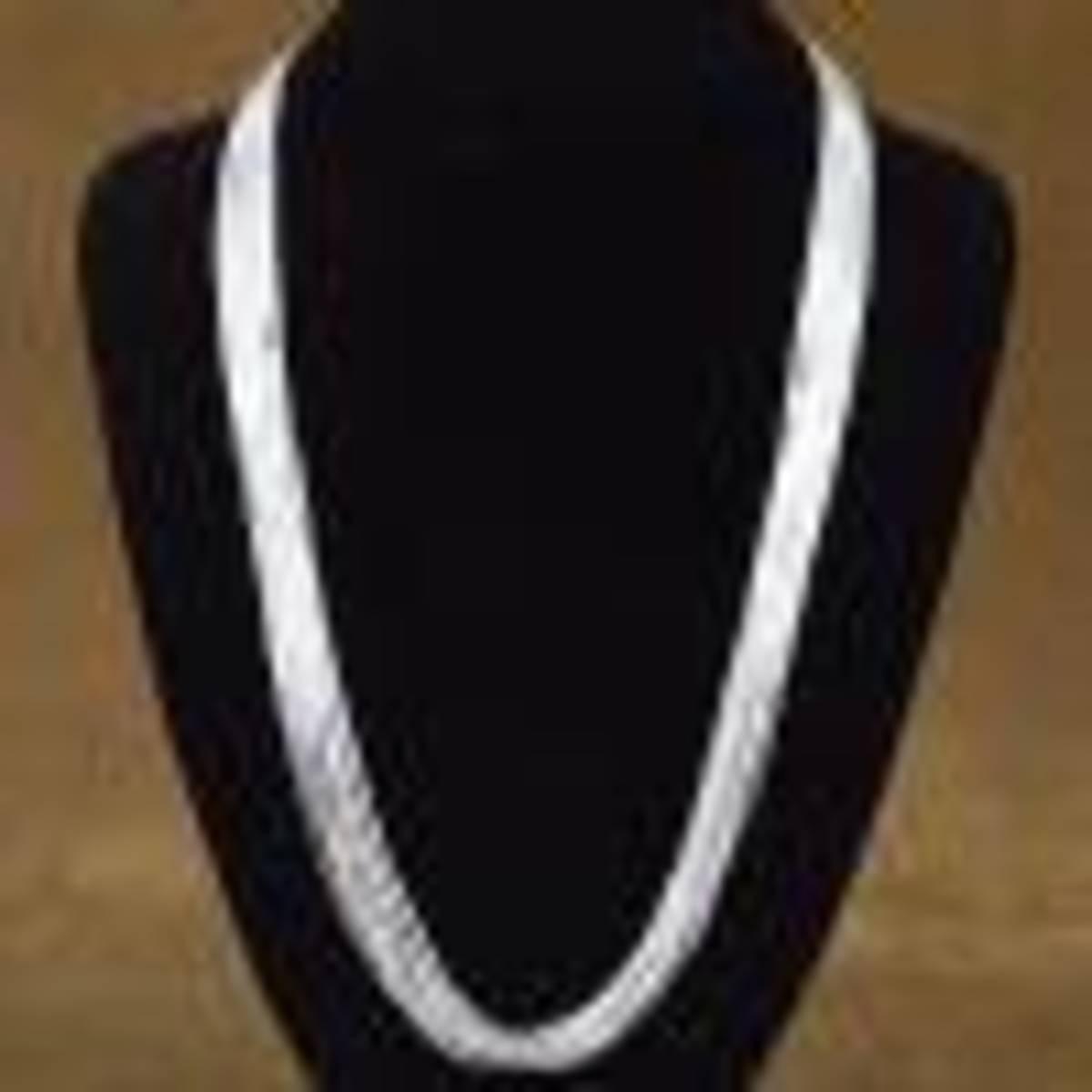 Liquid silver necklace