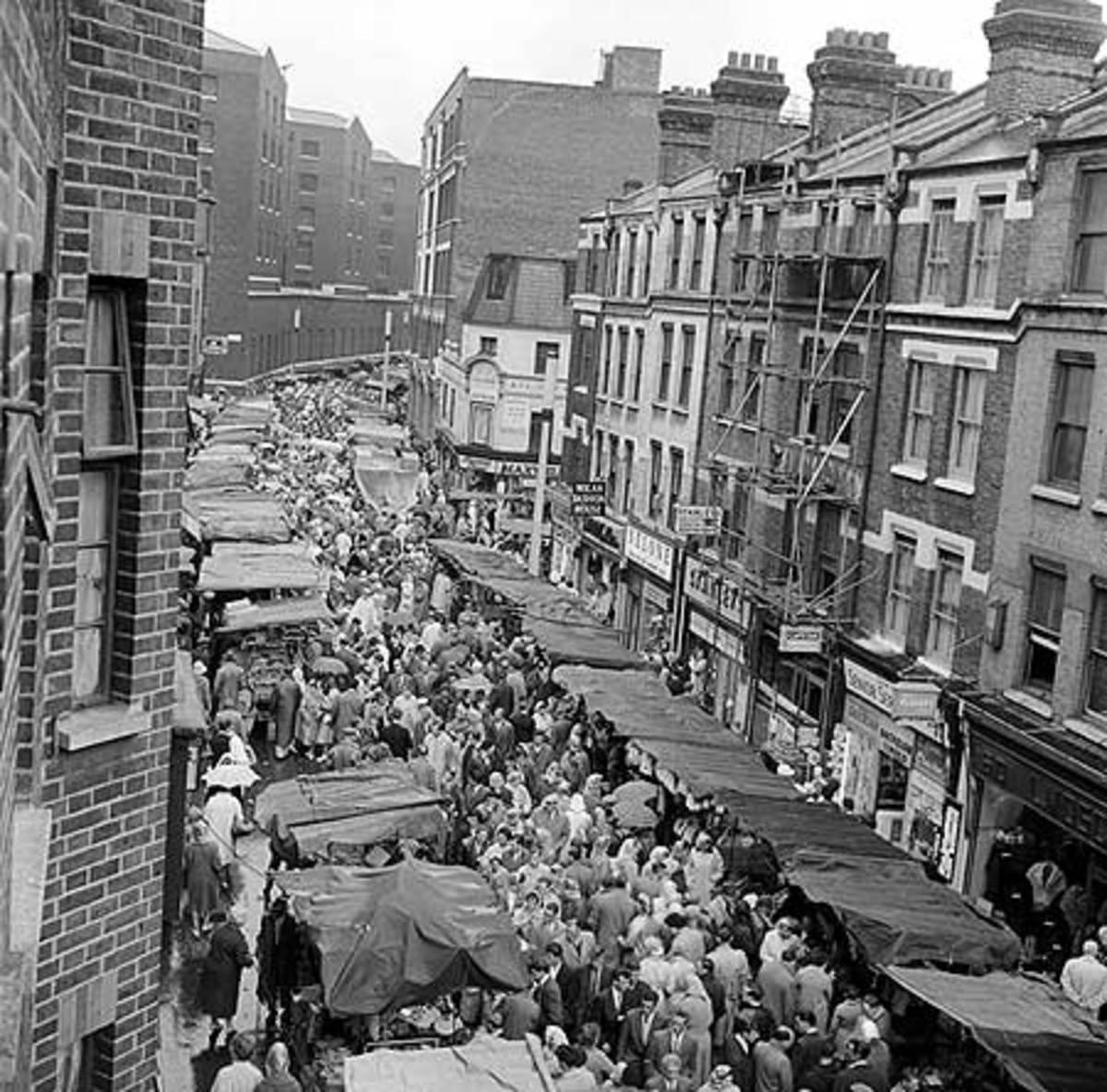 Pettycoat Lane Market