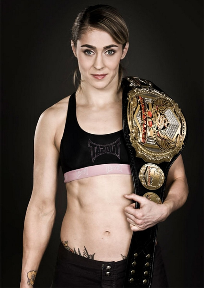 "Female MMA Fighter - Marloes ""Rumina"" Coenen"