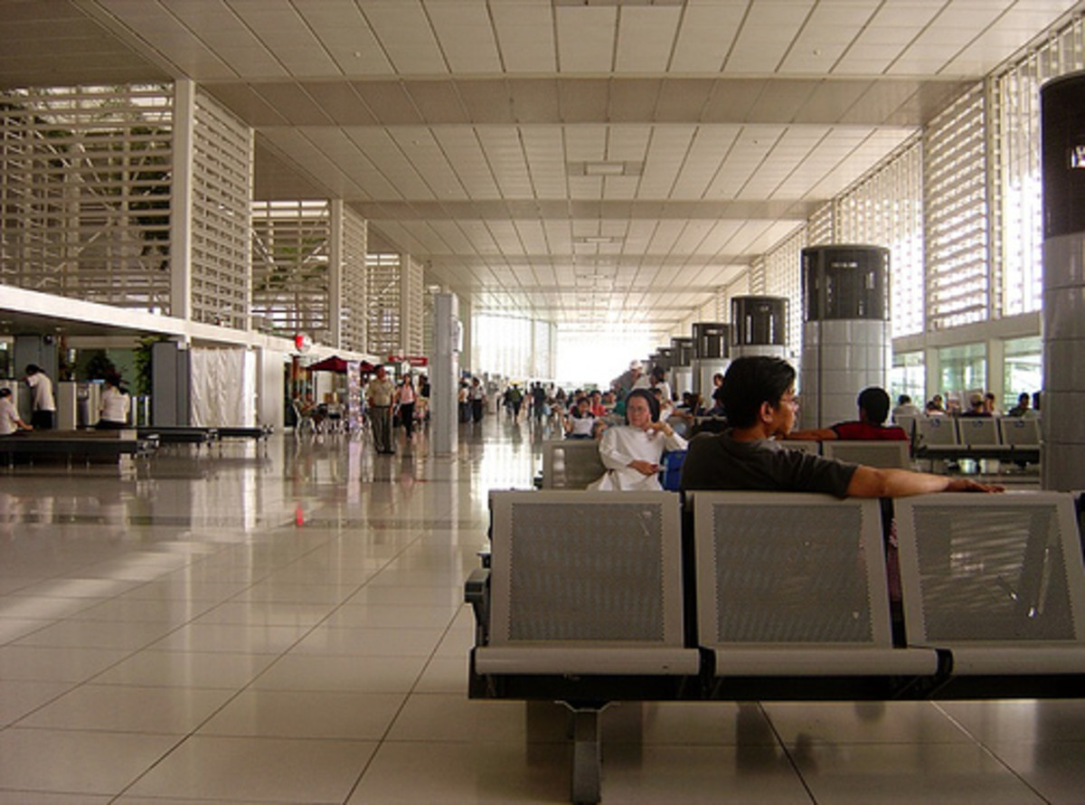 14 Stupid Things to do While Stuck at the Airport