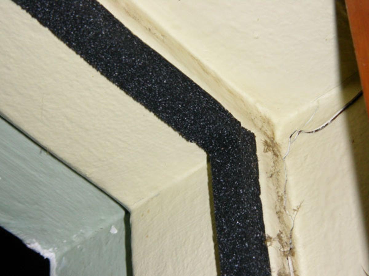 Preventing light leaks through the door