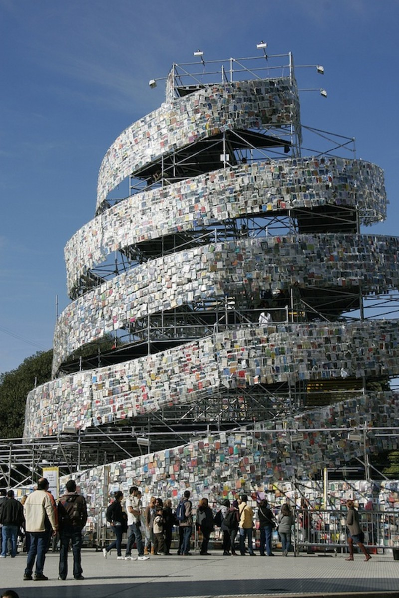 UNESCO chose Buenos Aires to celebrate Marta Minujin creating a  82 foot tall spiraling tower draped with 30,000 books in dozens of languages