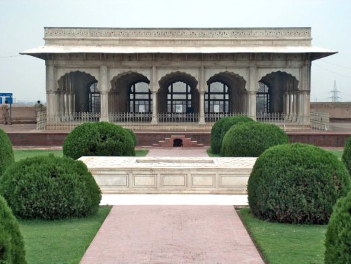 'Diwan-e-Khas' or Hall of Special Audience was added to the Fort by Shah Jahan.