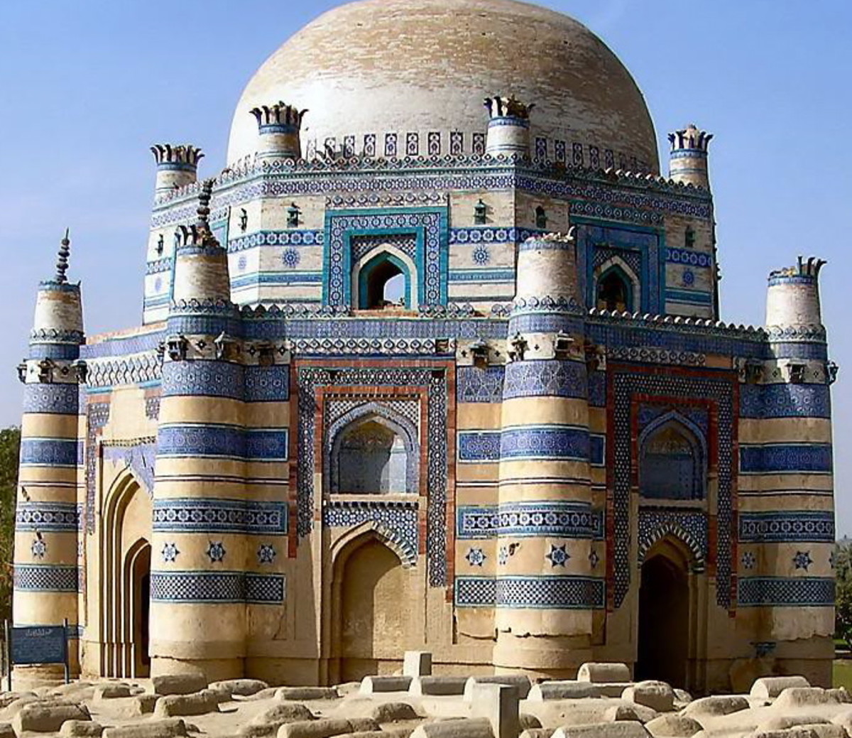 Shrine of Bibi Jawindi at Uch Sharif, Pakistan.