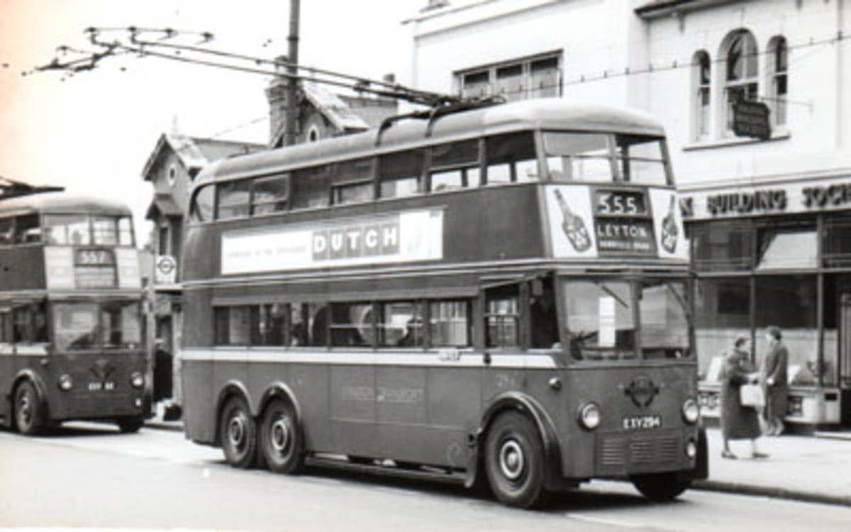 John Colliers was near where this sixties London bus was snapped! - Just to the right actually....the shop behind the bus is now a health shop!