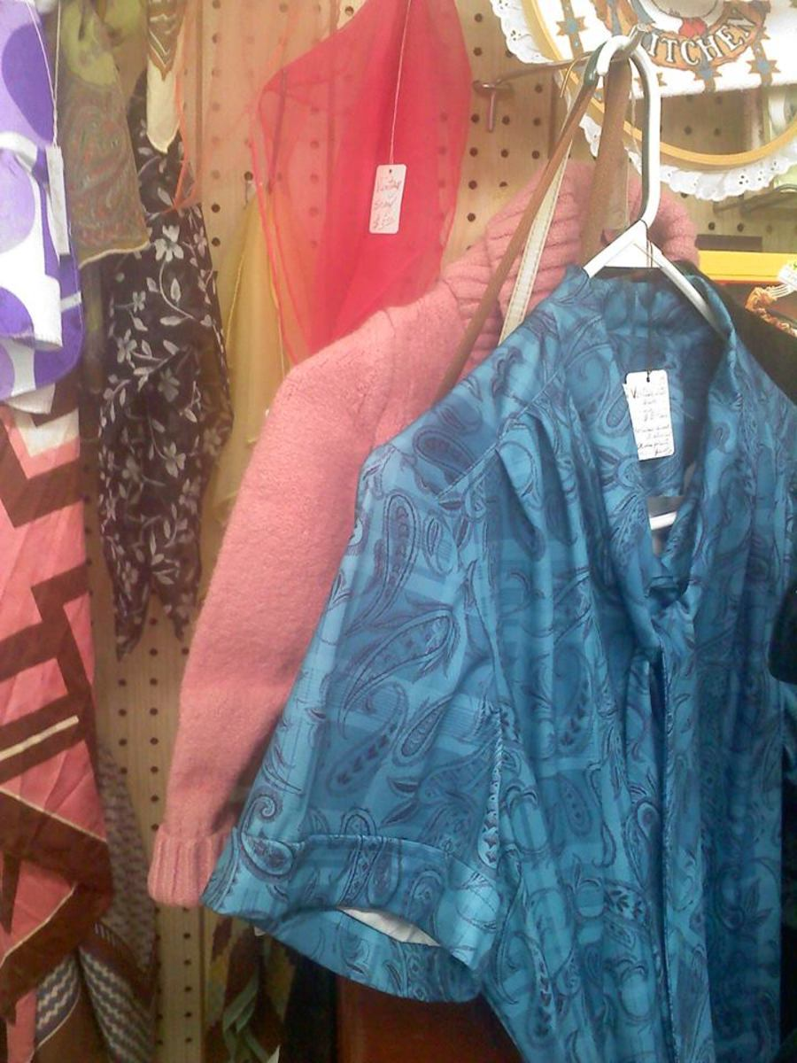 Vintage scarves and clothing in Hubbard, Ohio.