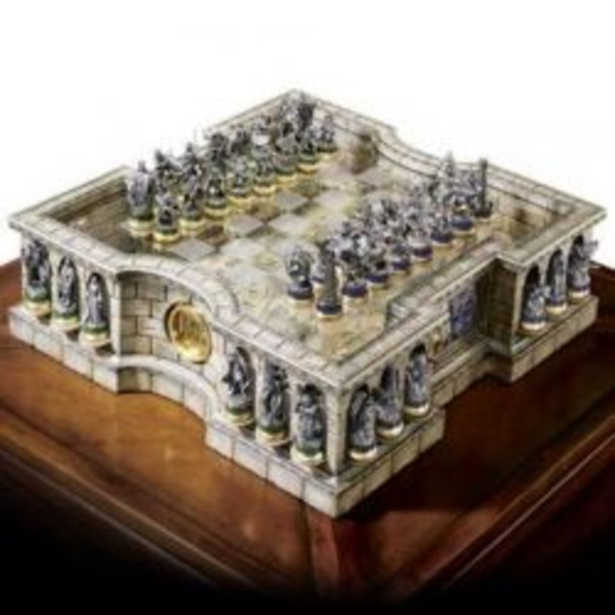 lord-of-the-rings-collectors-chess-set