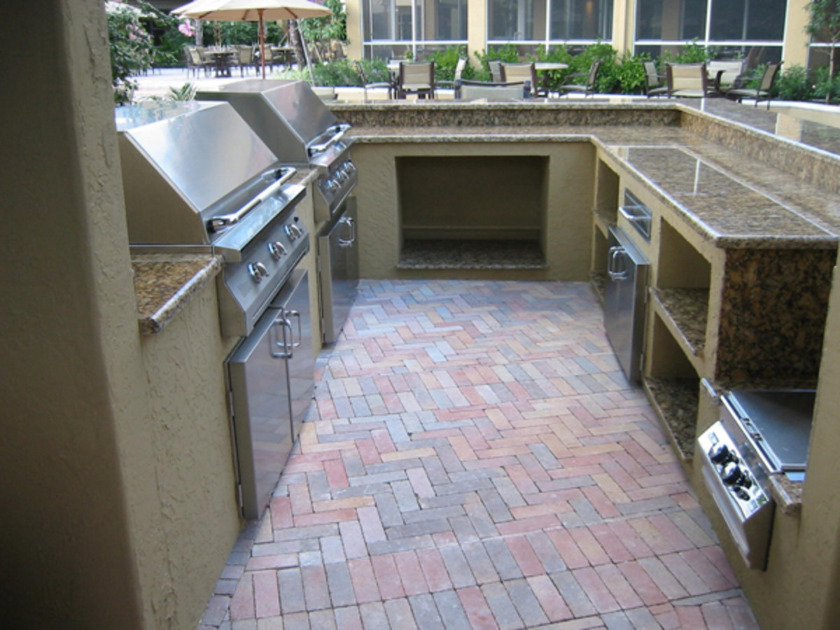 Custom Outdoor Kitchen with 2 Infrared built in gas grills.