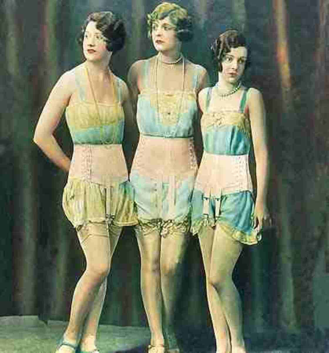 The History and Invention of The Bra a fascinating look at ...