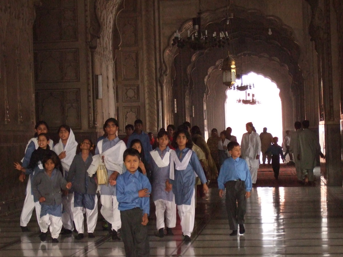 School children visiting the Mosque