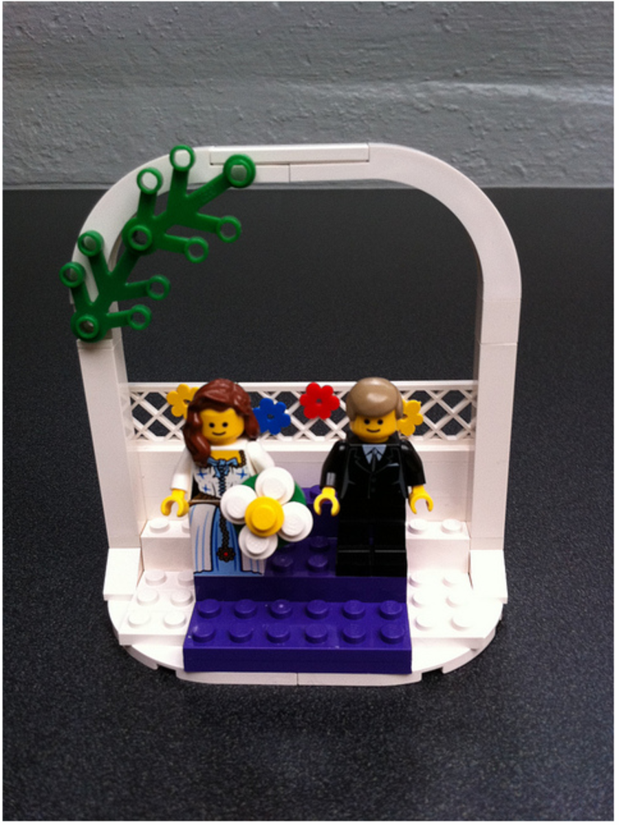 Awesome idea...a personalized Lego couple!