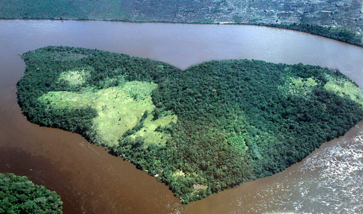 earth heart - over the Orinoco river.