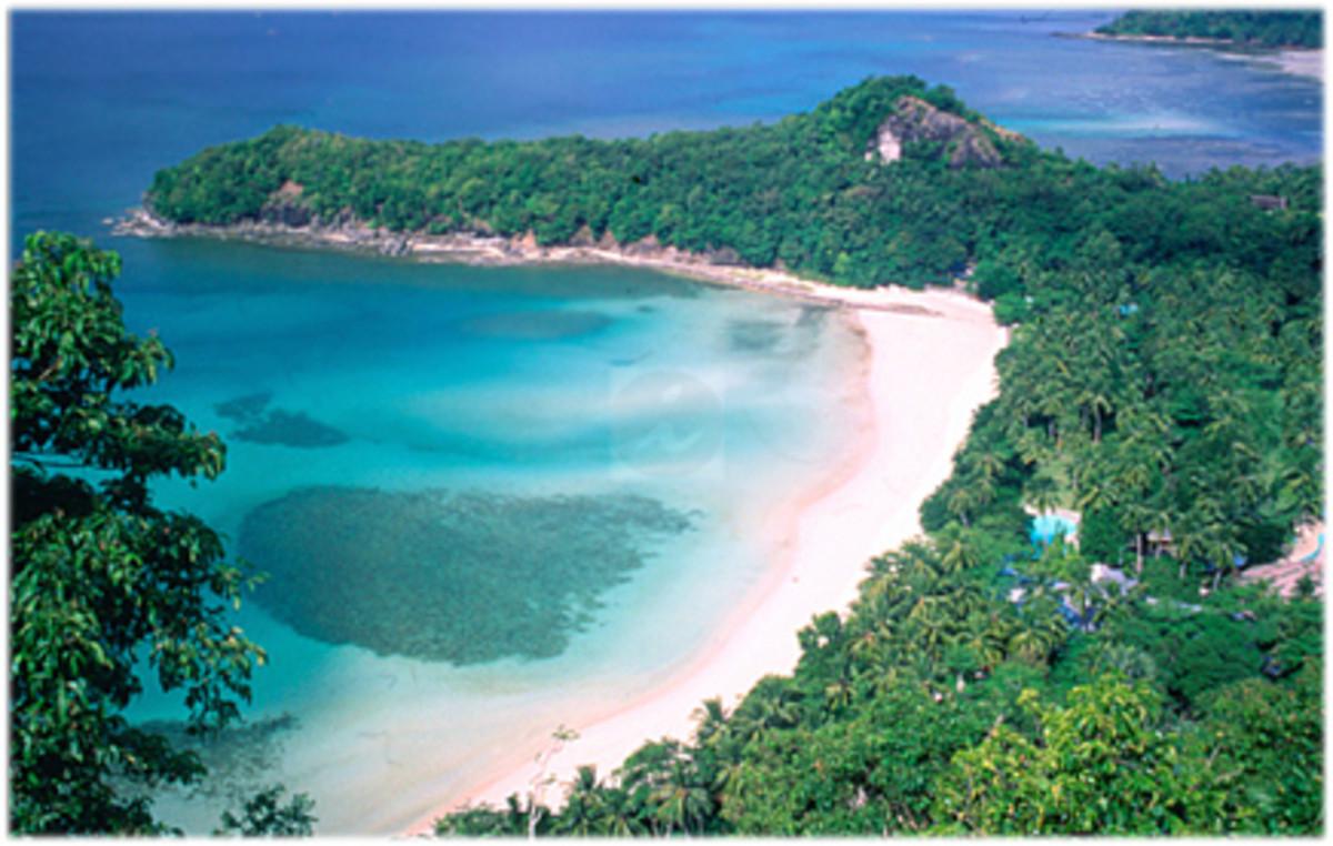 http://www.travelsmart.net/ph/resorts/Zamboanga/Dakak_Resort/