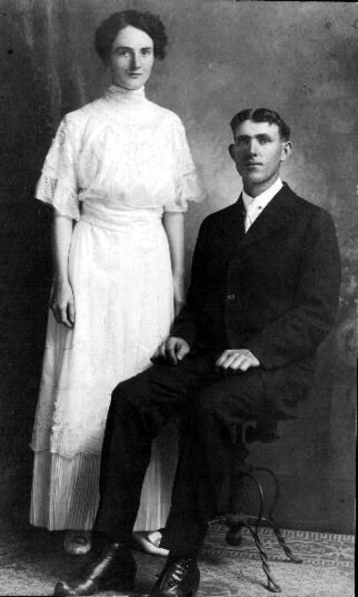 My paternal grandparent's wedding photo from 1915.