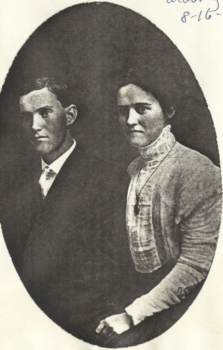 The Newlins on their wedding day. These are the parents of my step-grandmother, Edna Newlin McGhee.