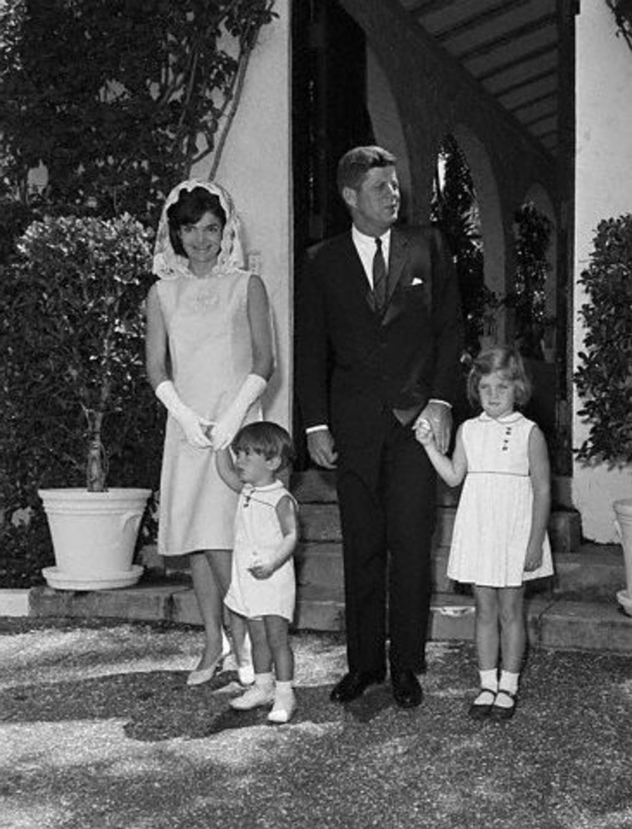 Jackie Kennedy and family - Jackie is Wearing Gloves
