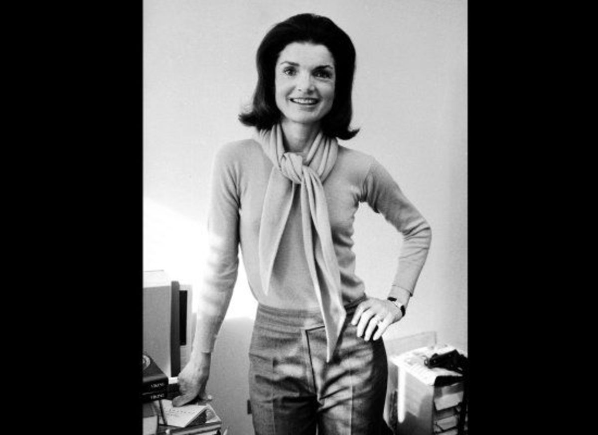 Jackie Kennedy in a casual photo wearing no gloves