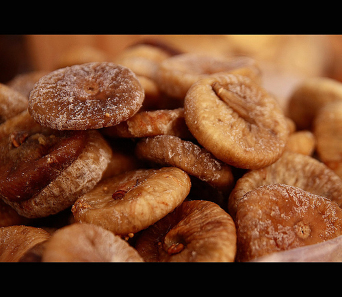 Dried figs photo: Fr Antunes @flickr