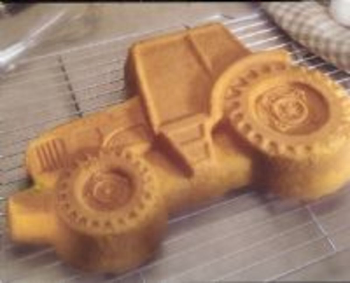 Tractor Cake Pan : John deere tractor birthday cake and cupcake ideas hubpages