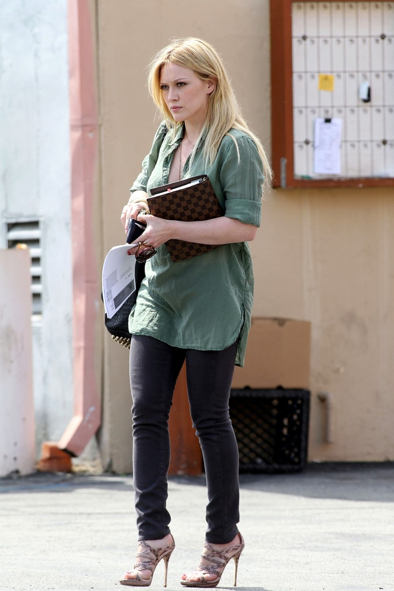 Hillary Duff running errands in casual attire