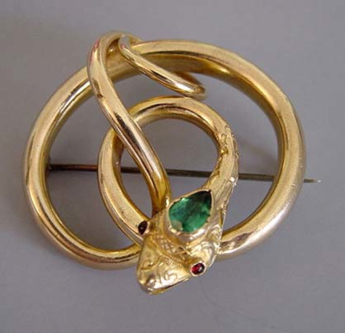 the-magic-of-a-jewel-the-victorian-jewelry