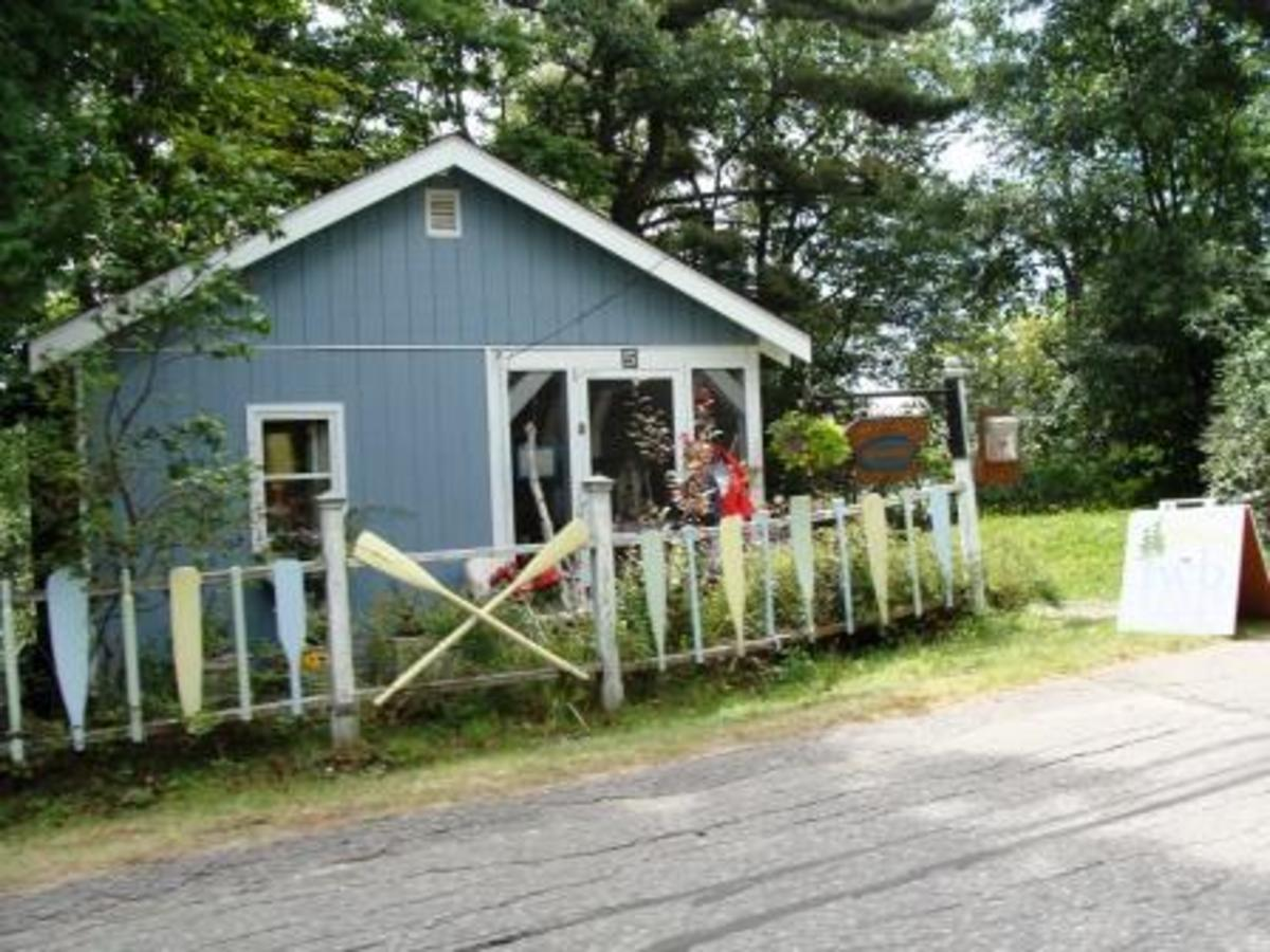 Arts and Crafts Store in Rosseau