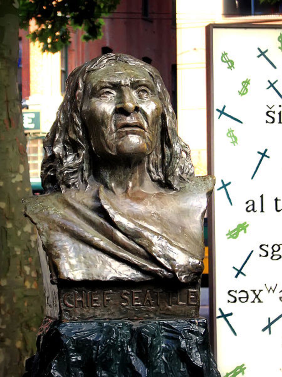 Chief Seattle bust, in Pioneer Square Park, Pioneer Square, Seattle, Washington, USA.