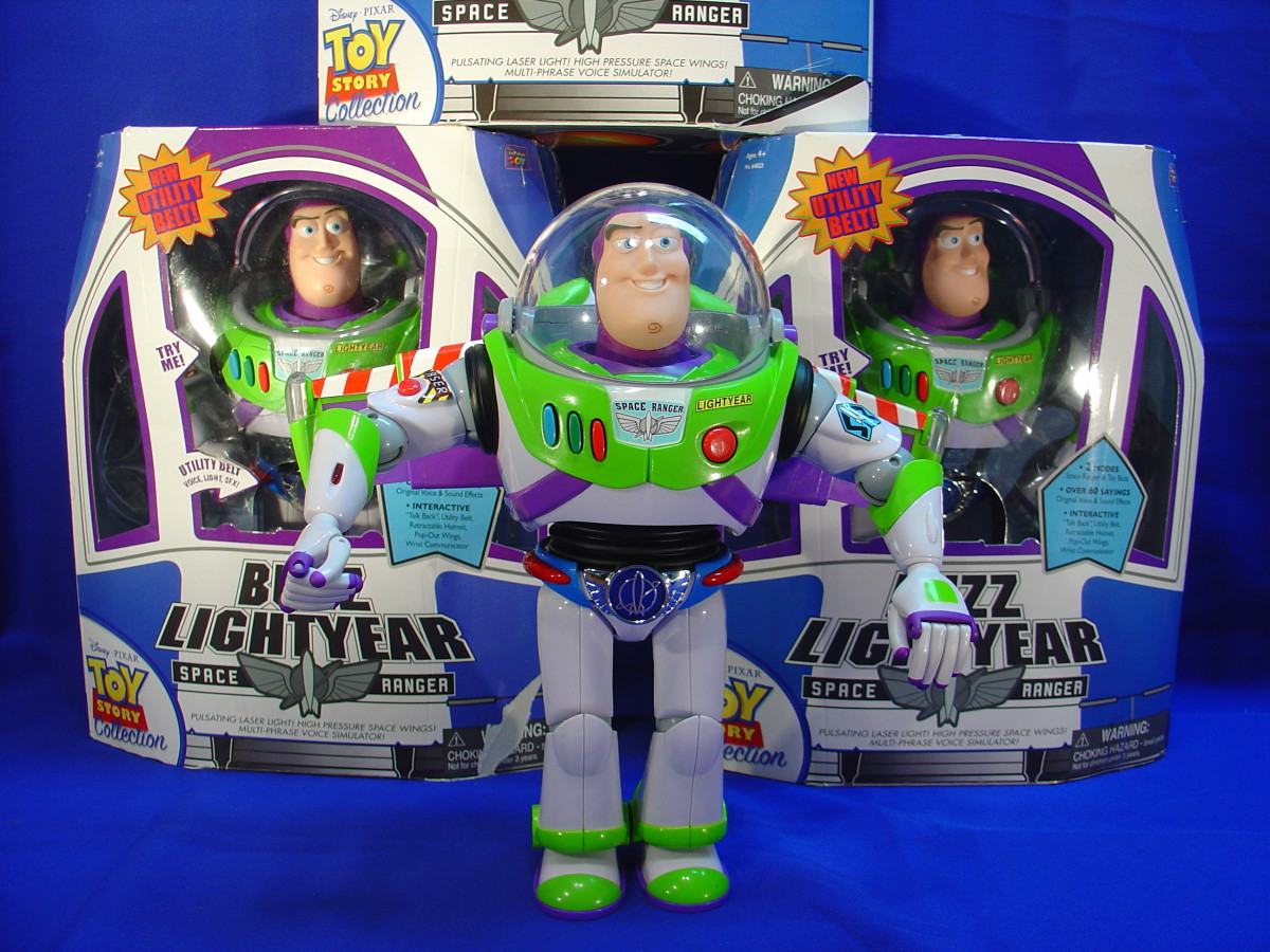 Thinkway Toys new Utility Belt Buzz Lightyear!