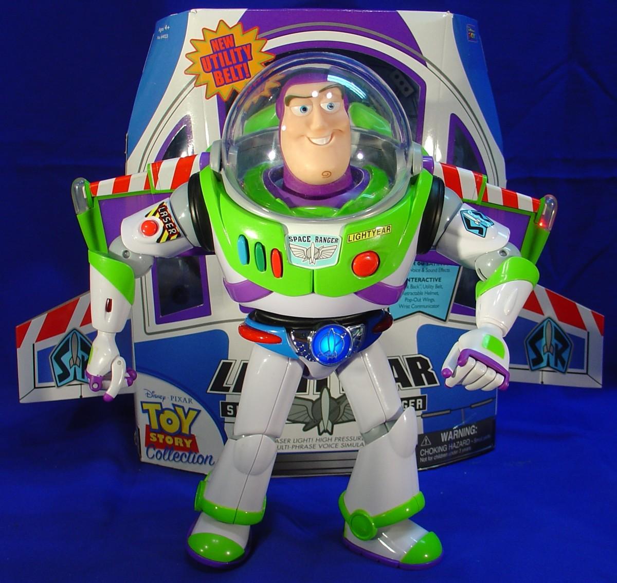 Note Buzz's Utility Belt lights up.